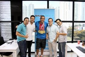 Crespo con parte del equipo de TotalSport